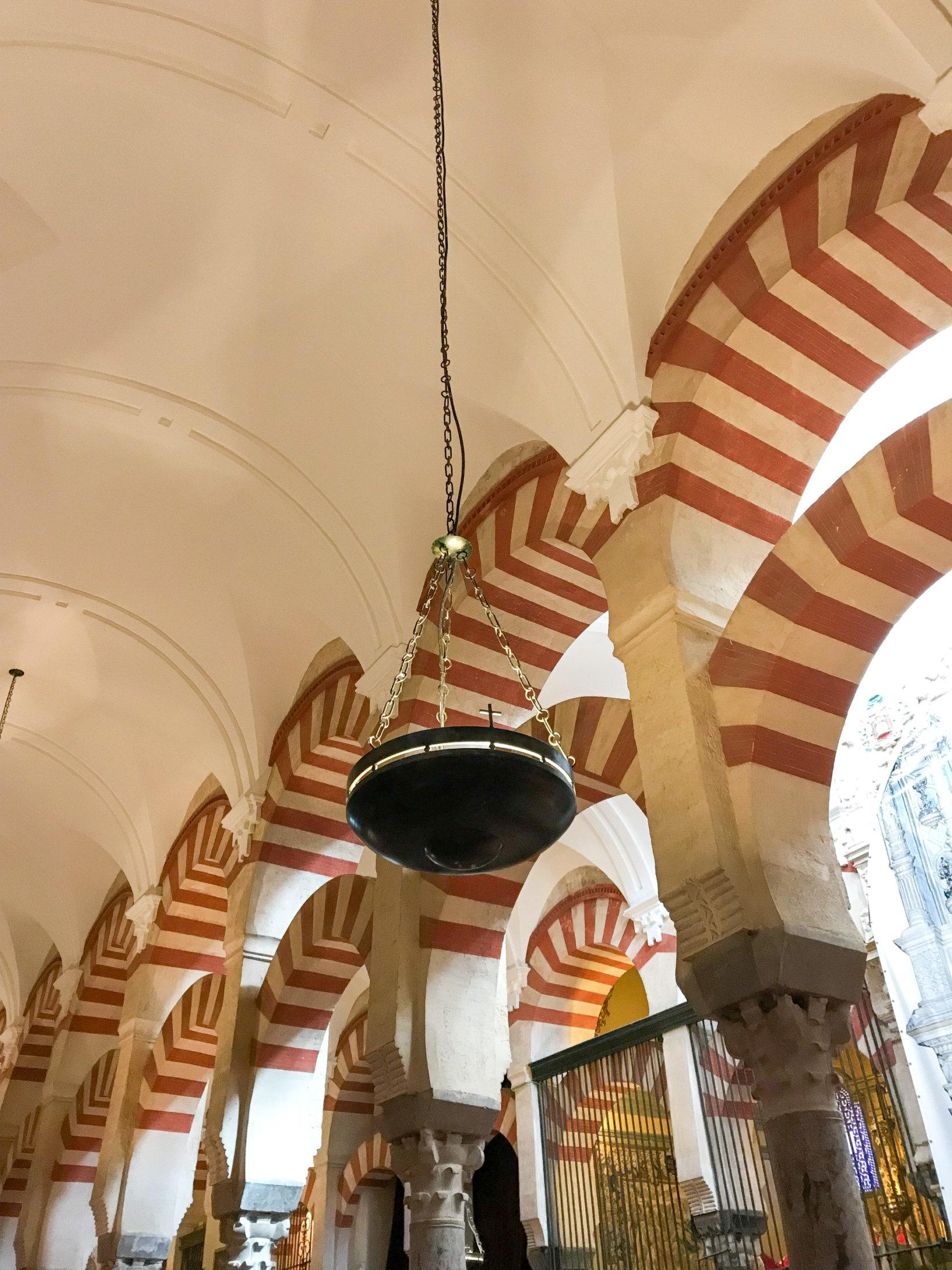 particolare_dell_interno-della_mezquita_di_cordoba