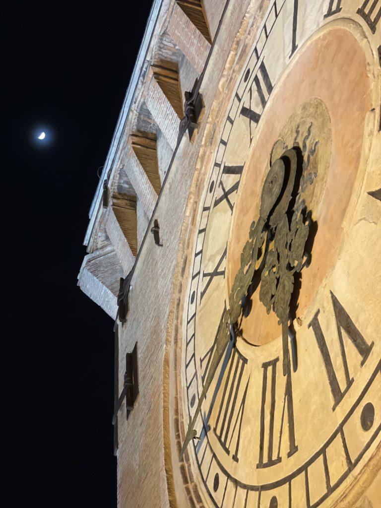 torre dell'orologio di bologna