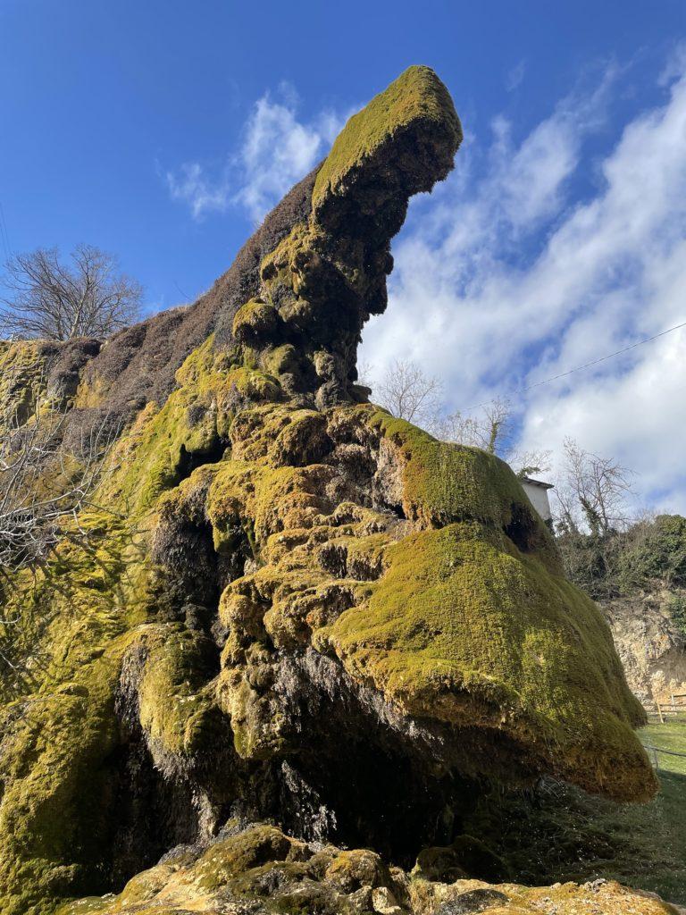 un dettaglio delle grotte di Labante