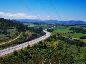 Organizzare il Cammino del Norte vuol dire attraversare numerosi chilometri ogni giorno. Bisogna essere allenati nelle lunghe