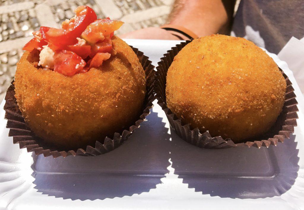 gli arancini assaggiati a Erice, in Sicilia