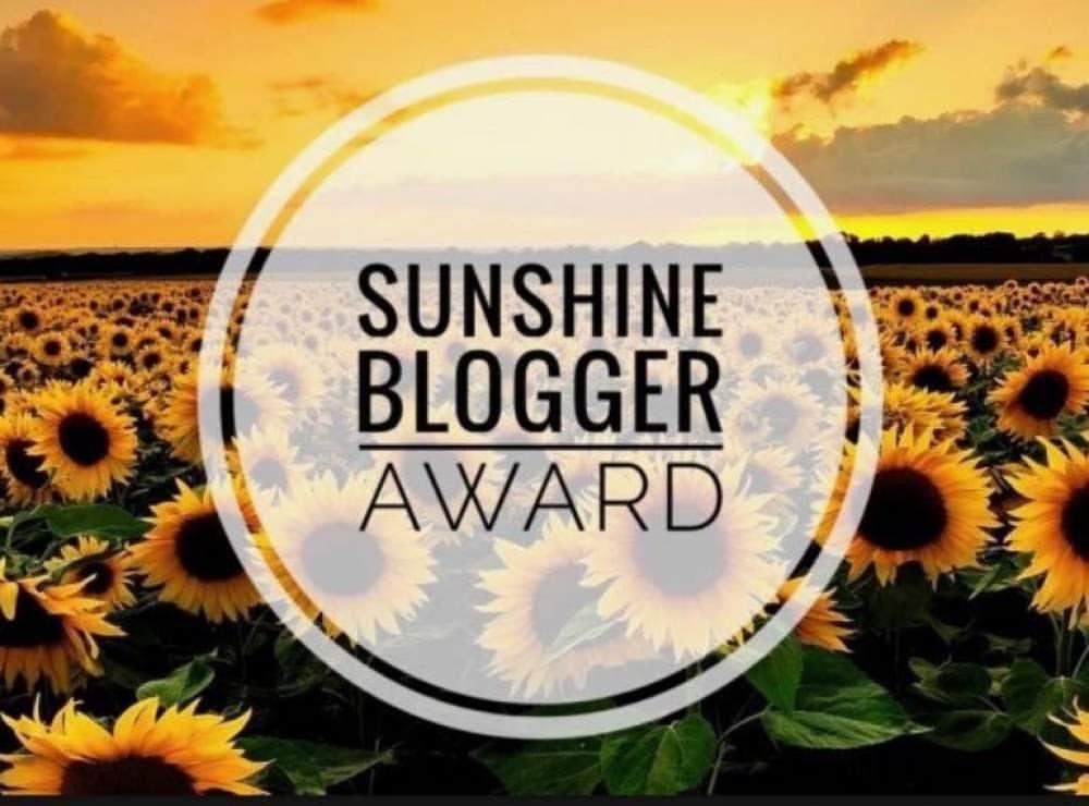il celebre logo del sunshine blogger award