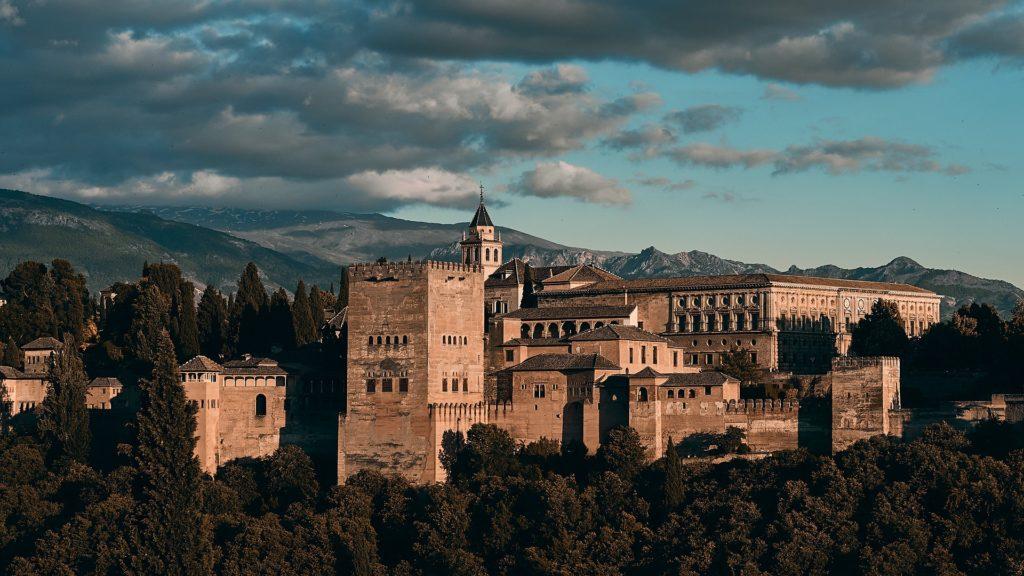 cosa vedere 6 giorni in Andalusia in tempi di Covid: Granada e il suo monumento simbolo, l'Alhambra