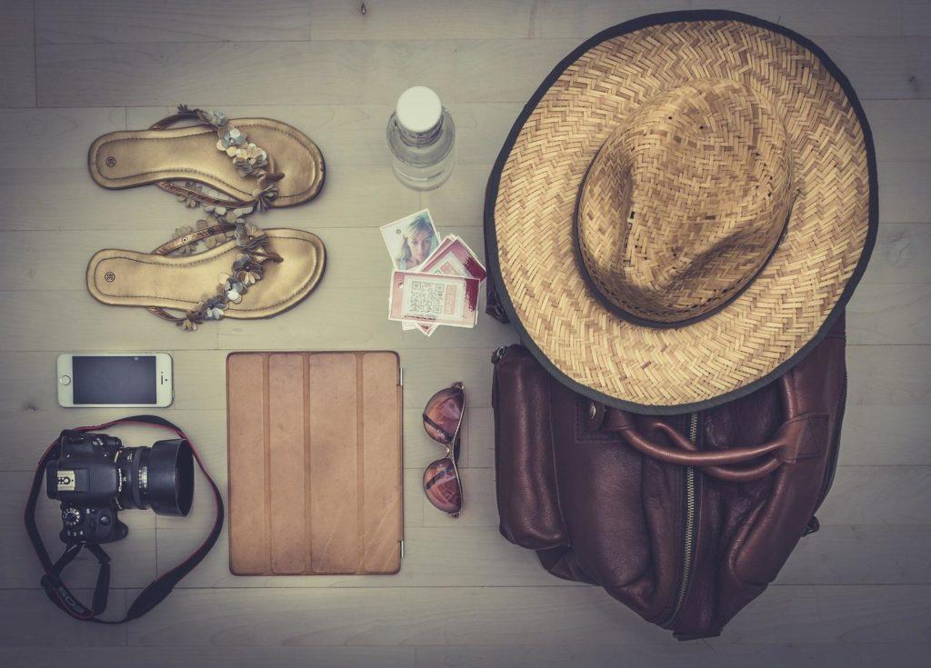 organizzare un viaggio da sola in Andalusia vuol dire preparare accuratamente la valigia prestando attenzione a non dimenticare tutto ciò che può servire