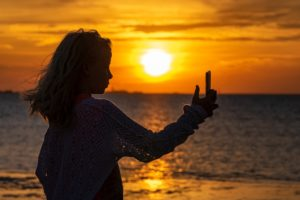 non stupitevi se in Andalusia il sole sorge e tramonta più tardi rispetto all'Italia ma godete delle tante ore di sole, non ve ne pentirete
