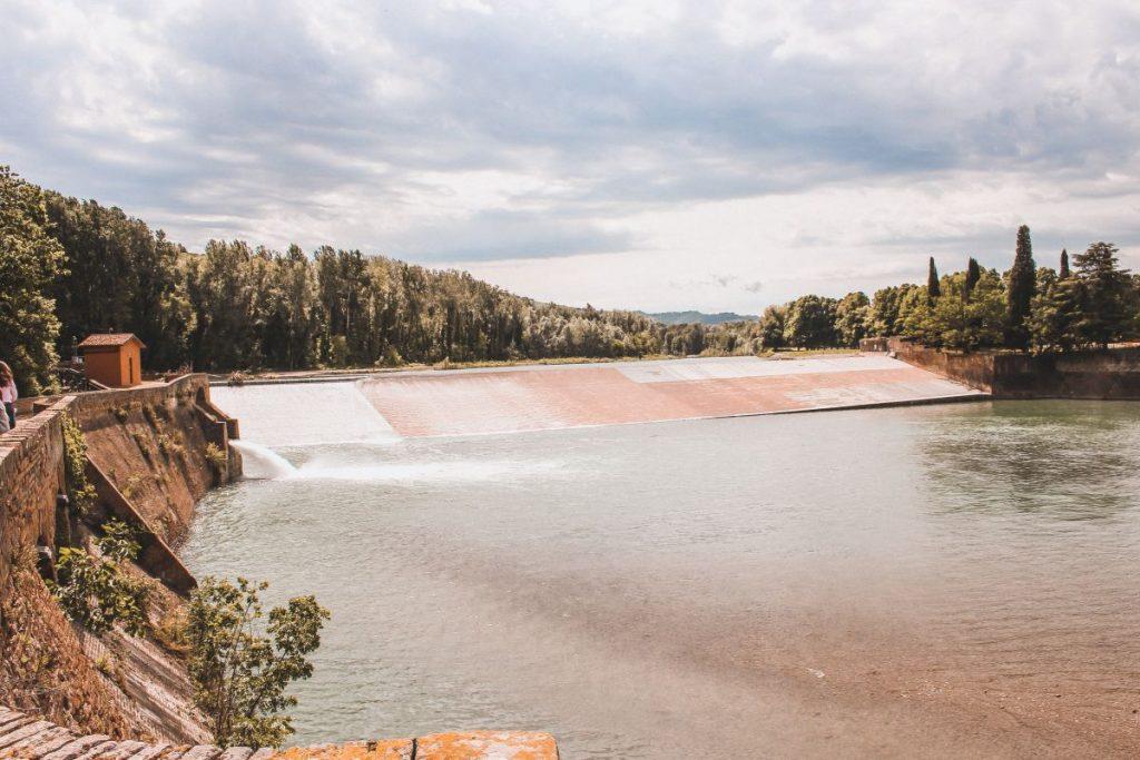 Lo scivolo della Chiusa di Casalecchio di Reno è lungo ben 160 metri e largo 35