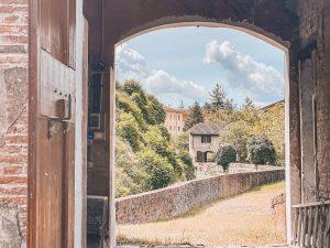 Il paraporto del Verrocchio è molto vicino alla Casa dei Ghiacci, a pochi metri dalla Chiusa di Casalecchio di Reno