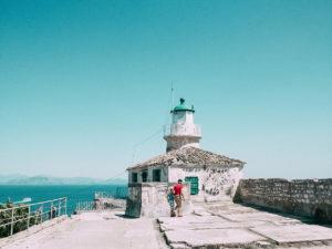 L'isola di Corfù è tra le più vicine all'Italia e per questo risulta tra le mete preferite dai nostri connazionali