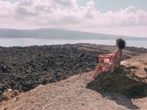 ammirare l'isola di Santorini dal vulcano attivo Nea Kameni è stata davvero una bella emozione