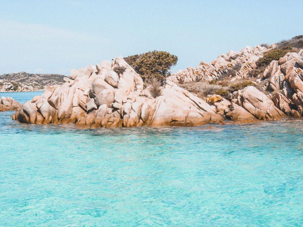 l'isola de La Maddalena è sicuramente tra le isole piccole più belle d'Italia