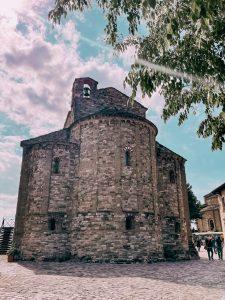 la pieve di San Leo è uno dei primi esempi di edifici di culto cristiani nella zona
