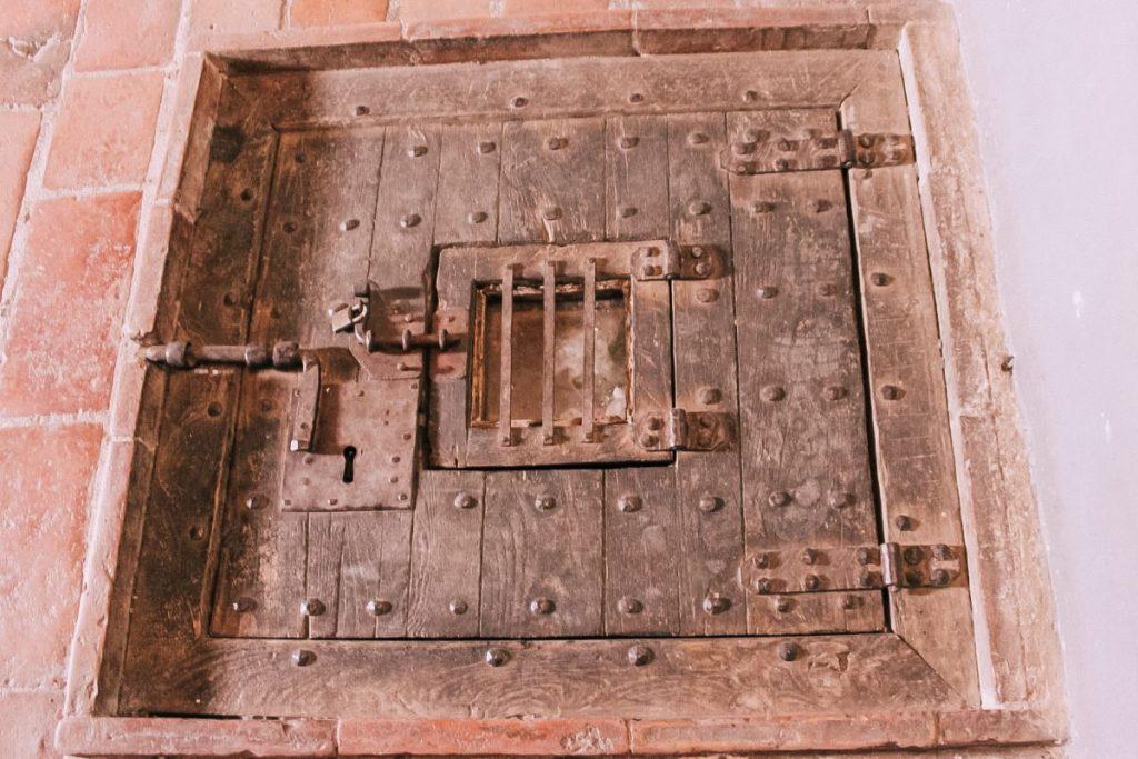 Giuseppe Balsamo di Cagliostro fu calato da una botola nella sua cella a San Leo