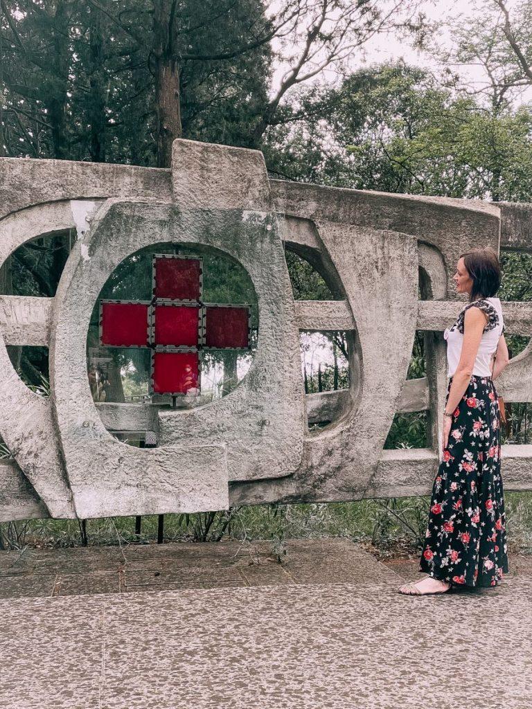 uno dei luoghi più emozionanti di Solferino è il monumento alla Croce Rossa