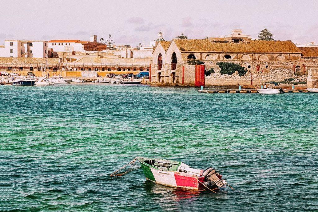 la tonnara di Favignana è uno dei simboli delle isole Egadi
