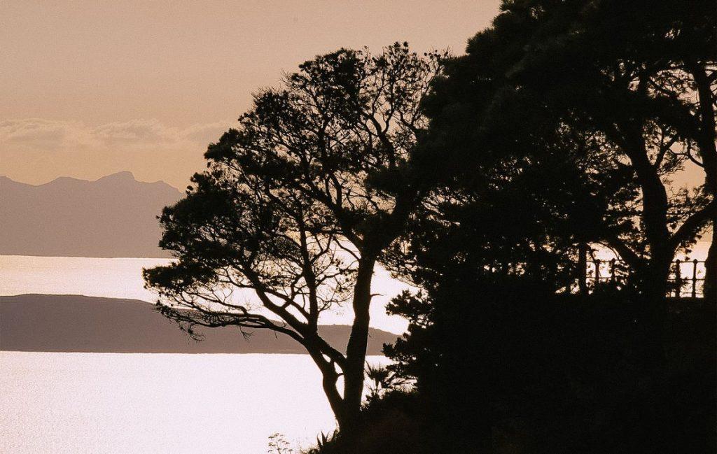 uno degli spettacoli da non perdere durante un tour alle isole Egadi è il tramonto di Levanzo