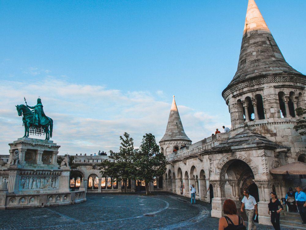 Piazza della Santissima Trinità, iconica piazza di Budapest