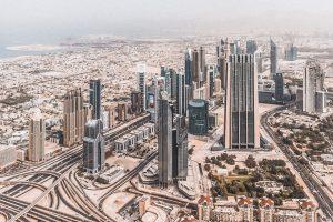 Dubai prima e dopo lo sviluppo economico tra grattacieli e quartieri storici