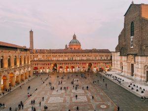 piazza Maggiore è assolutamente uno dei luoghi più iconici di Bologna