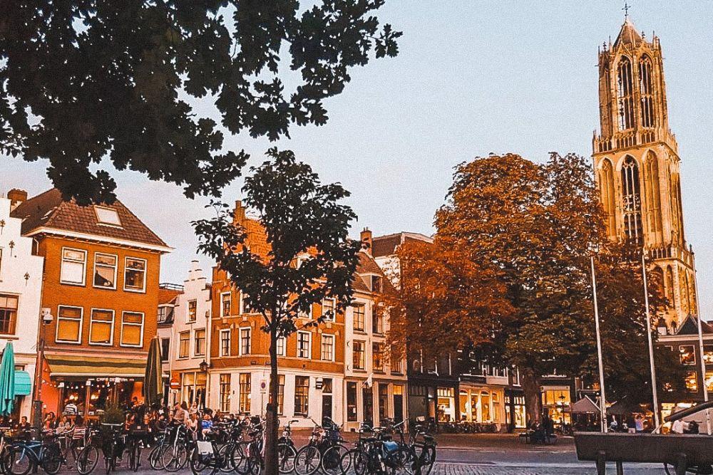 Piazza Neude ad Utrecht è una delle piazze più rappresentative della città