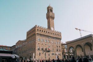 Piazza della Signoria è uno dei simboli della città di Firenze