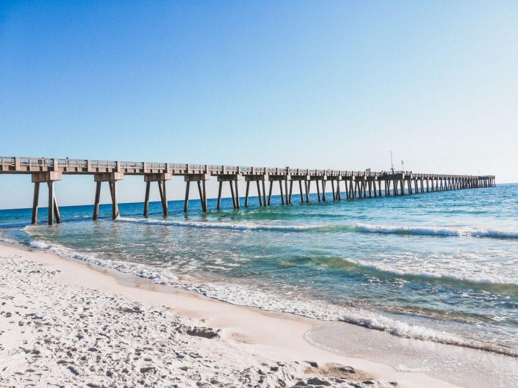 La spiaggia di Panama city, in Florida, è molto particolare perchè è una spiaggia che suona