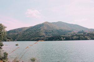 il lago di Suviana è tra le cose che sono assolutamente da vedere sull'appennino bolognese