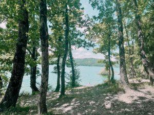 i sentieri di trekking presso il lago di Suviana sono ben 5, tutti diversi per difficoltà e tempo di percorrenza