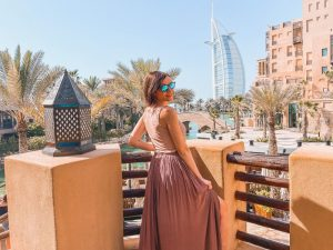 uno dei punti migliori da cui fotografare il Burj al Arab è al Souk Madinat Jumeirah