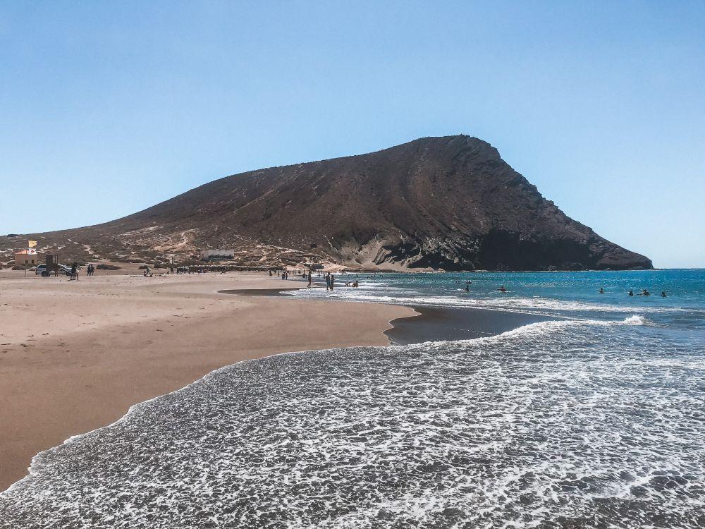la Playa di La Tejita è una delle più incontaminate di Tenerife