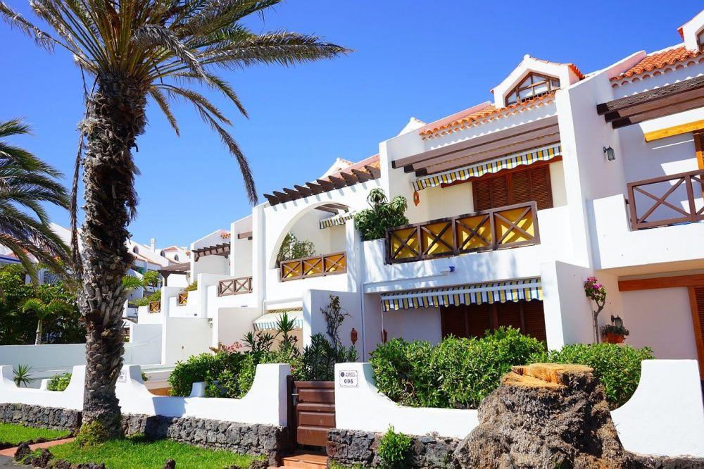 la zona più turistica di Tenerife è quella di Playa de Las Americas