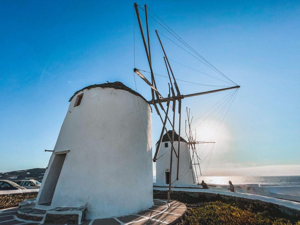 i celebri mulini a vento di Mykonos