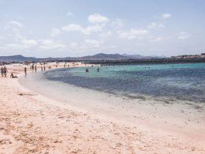 la concha è la spiaggia più bella della costa nord ovest di Fuerteventura