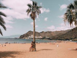 è una spiaggia davvero splendida quella di Las Teresitas a Tenerife