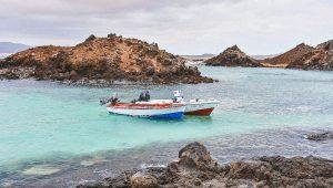 sull'isola di Lobos è possibile fare il bagno tra gli scogli