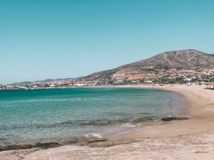 la celebre Golden Beach di Paros