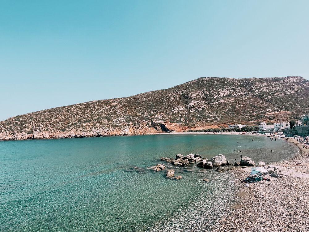 una tra le più belle spiagge di Naxos è Apollonas
