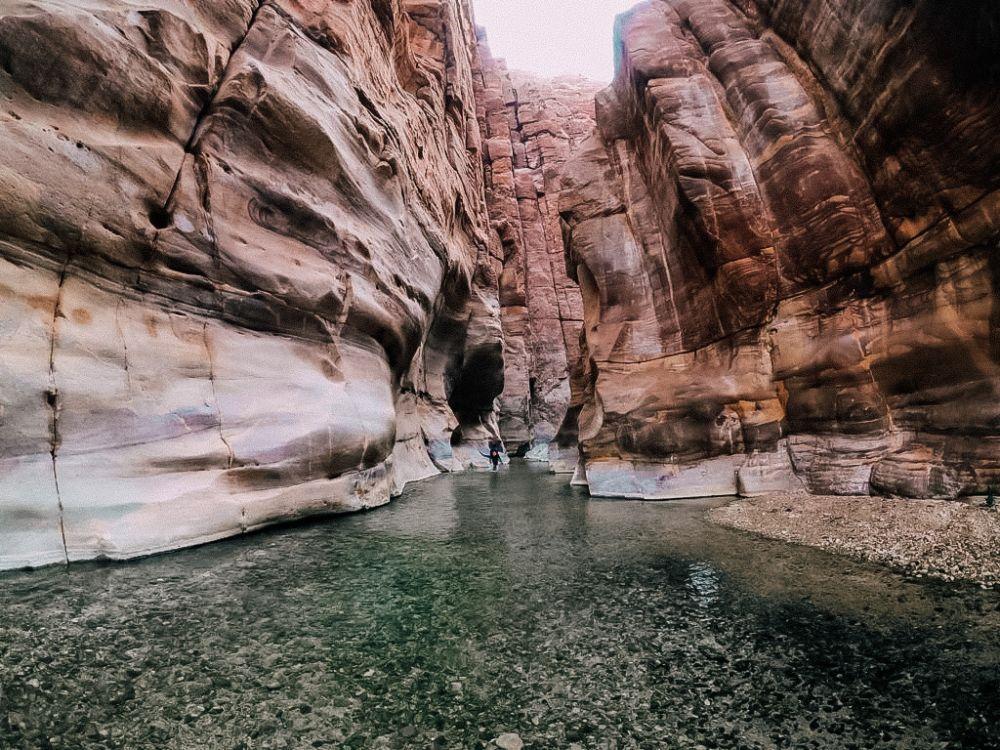 le rocce e le scogliere del wadi mujib